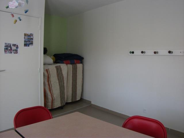 piece-principale-servant-de-refectoire-et-de-dortoir